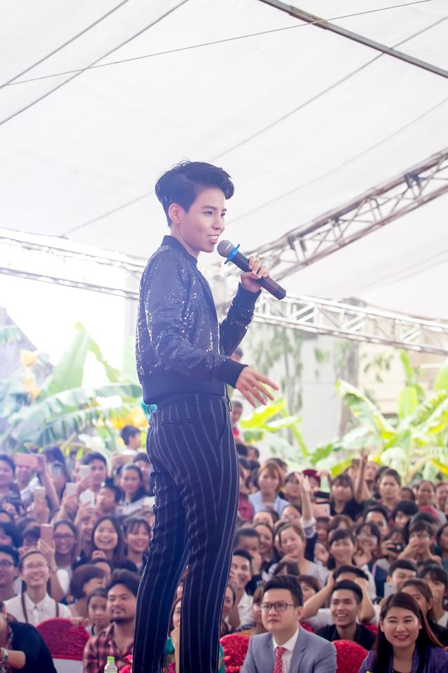 Mặc lời đồn ngồi ghế nóng Next Top Model, Phạm Hương vẫn đẹp cổ điển thế này - Ảnh 11.
