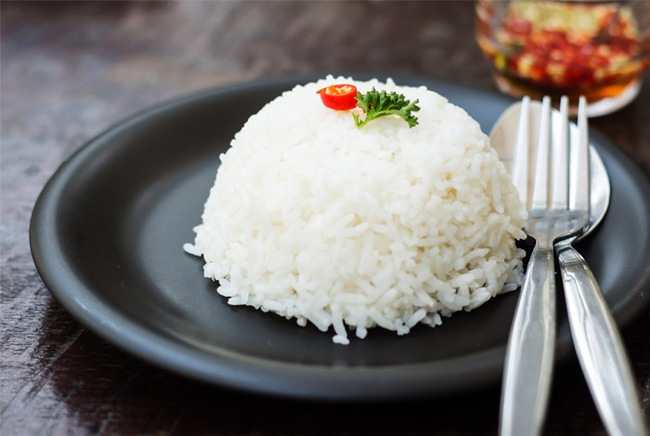 Ăn gạo nâu thay gạo trắng: Tăng tốc giảm cân tương đương 30 phút đi bộ nhanh mỗi ngày? - Ảnh 4.