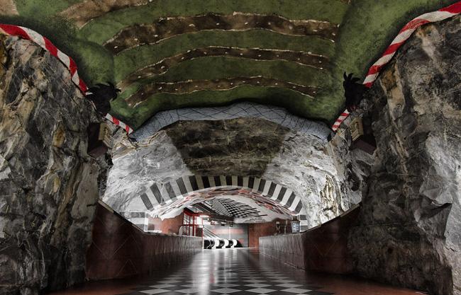 Những ga tàu điện ngầm có thiết kế độc đáo nhất trên thế giới - Ảnh 11.