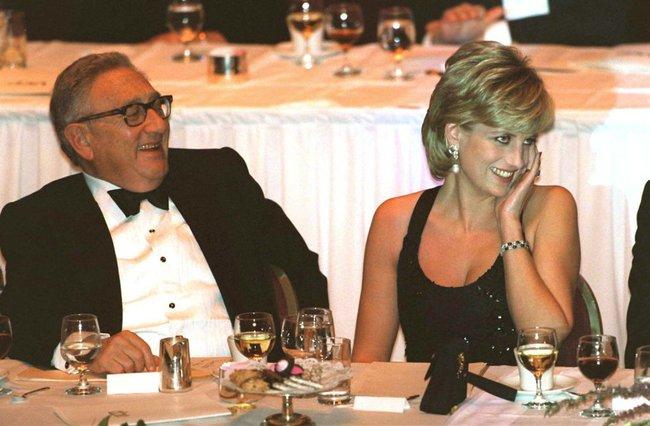 Thời thanh xuân, suýt chút nữa cố Công nương Diana trở thành tình nhân của Tổng thống Mỹ Donal Trump - Ảnh 2.