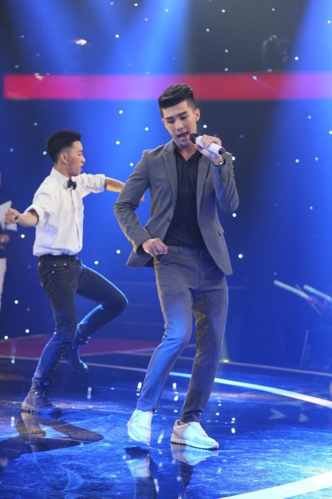 Thu Trang méo mặt khi anh chàng đẹp trai này cất giọng hát - Ảnh 12.