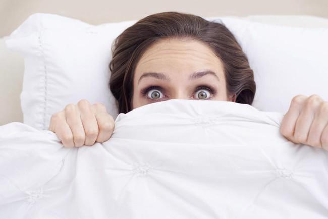 Từ chỗ bị ngạt thở tới mức bị rượt đuổi - giấc mơ nói gì về sức khỏe tâm thần của bạn? - Ảnh 1.