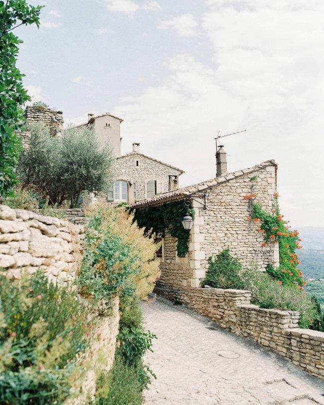 10 ngôi làng đẹp như thiên đường dưới hạ giới của nước Pháp - Ảnh 21.
