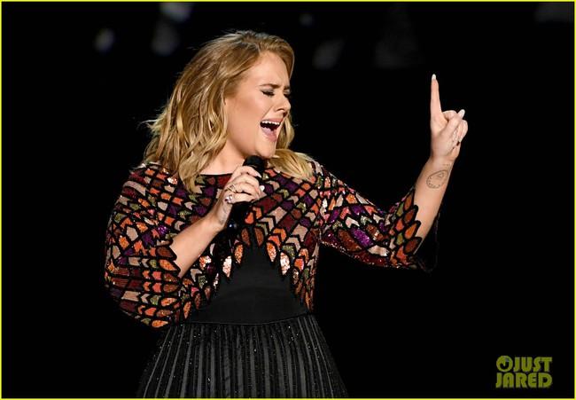 Chỉ cần xuất hiện là Adele càn quét hết các giải thưởng của Grammy 2017 - Ảnh 1.