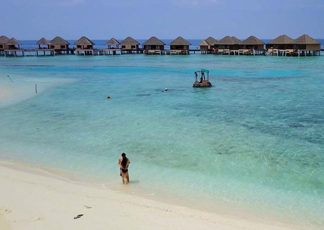 Anh chồng tâm niệm nhất vợ nhì trời và chuyến đi Maldives không có lấy một tấm ảnh sống ảo vì mải... chụp cho vợ - Ảnh 15.