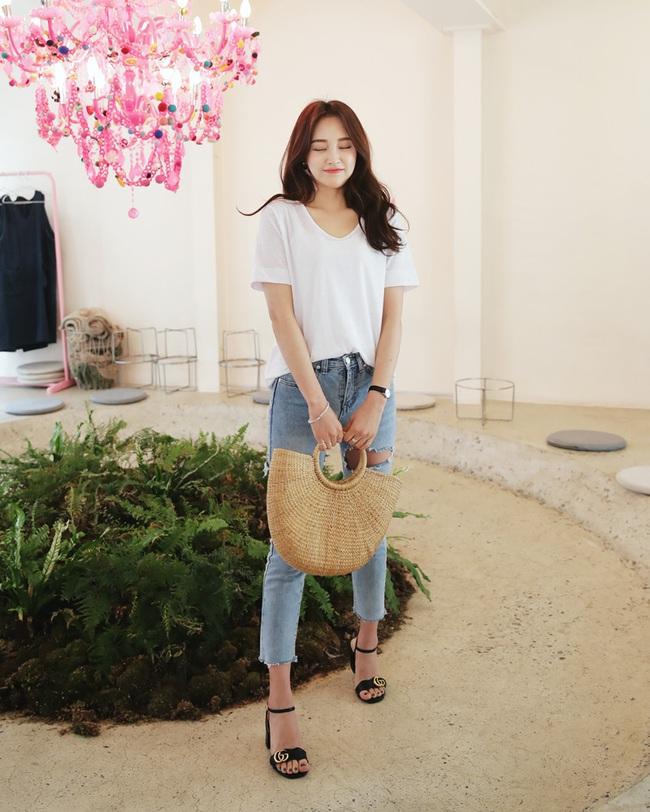 Có bao giờ bạn nghĩ quần jeans với giày cao gót lại hợp gu thế này? - Ảnh 9.