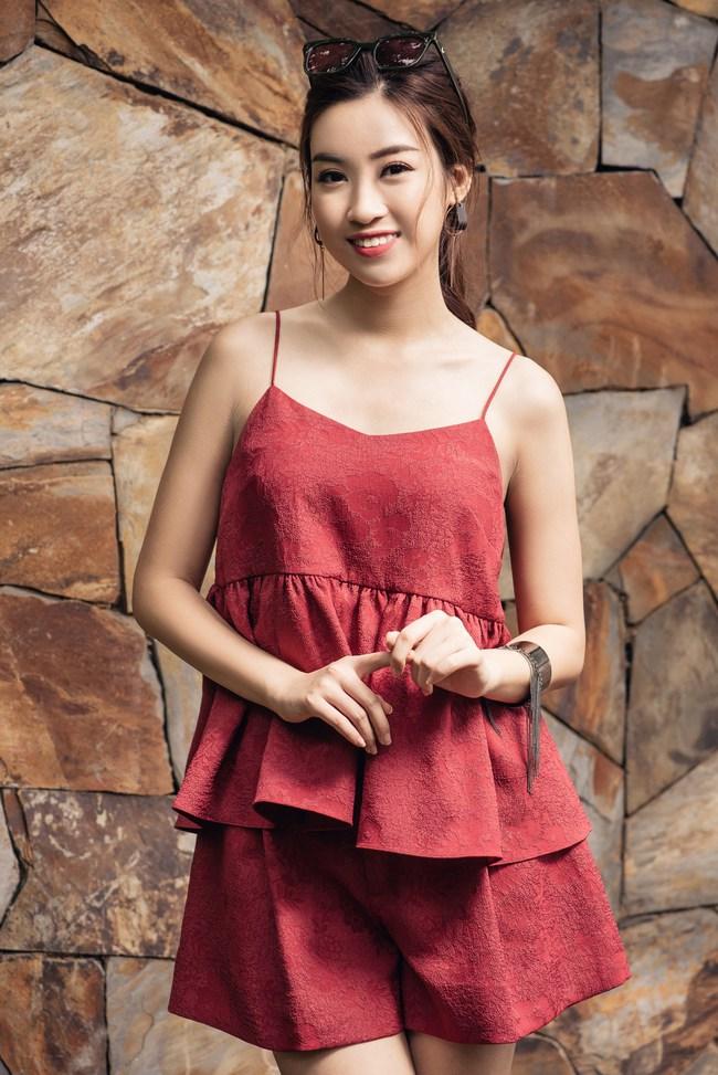 Hoa hậu Đỗ Mỹ Linh khoe vẻ đẹp trong sáng và nụ cười như mùa thu tỏa nắng - Ảnh 5.