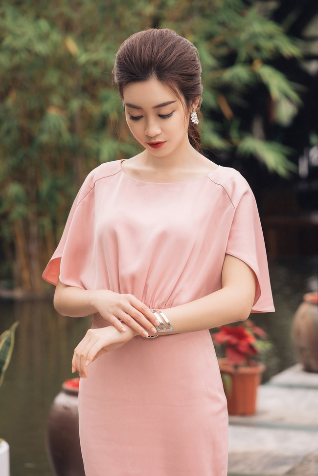 Hoa hậu Đỗ Mỹ Linh khoe vẻ đẹp trong sáng và nụ cười như mùa thu tỏa nắng - Ảnh 7.