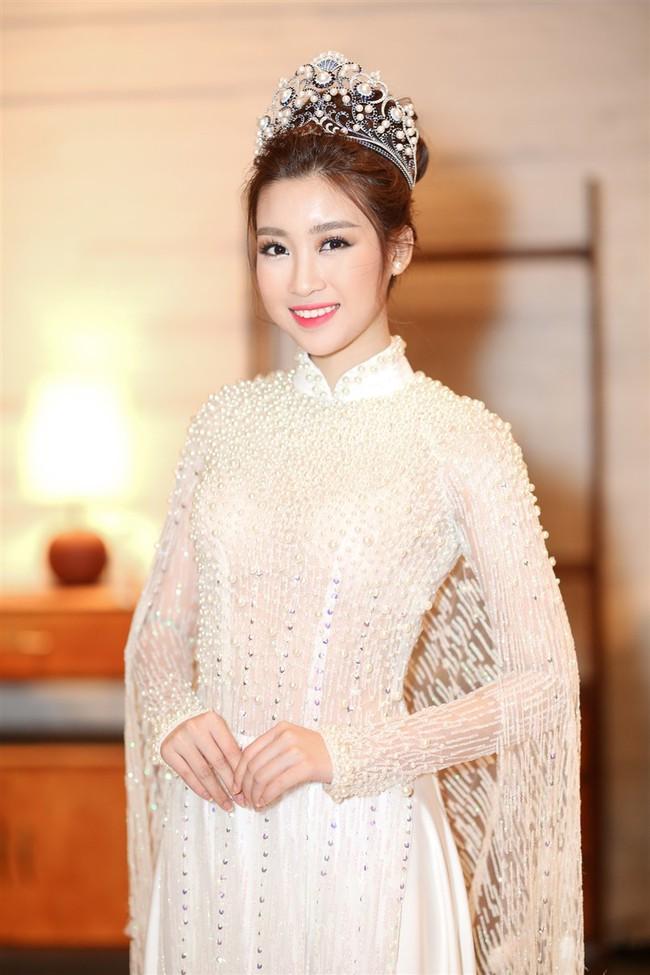 """Hoa Hậu Mỹ Linh xuất hiện ấn tượng với hình ảnh gợi nhớ """"Công chúa Mỵ Châu"""" - Ảnh 1."""
