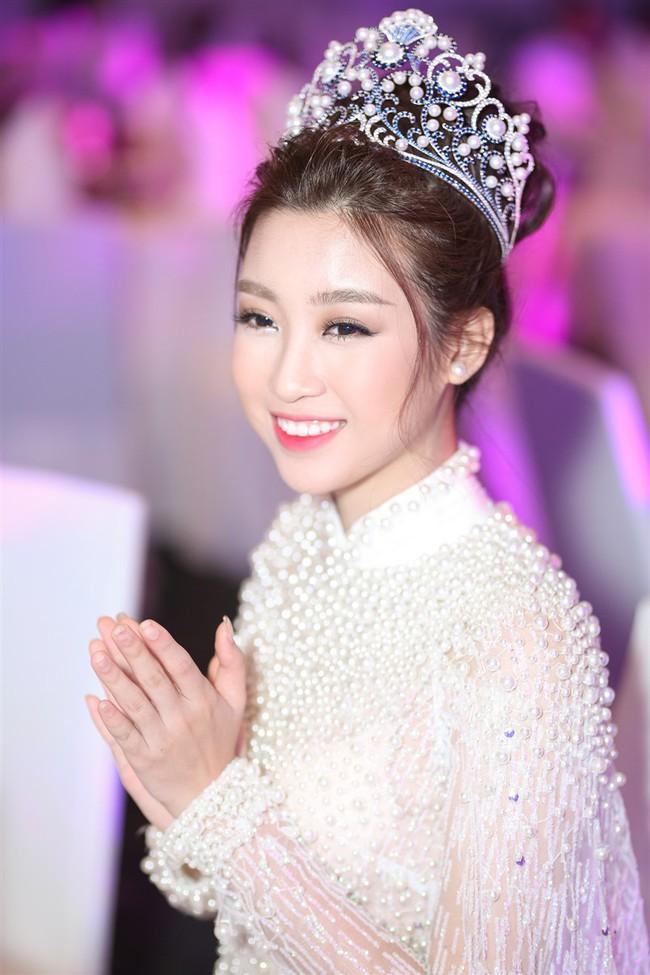 """Hoa Hậu Mỹ Linh xuất hiện ấn tượng với hình ảnh gợi nhớ """"Công chúa Mỵ Châu"""" - Ảnh 6."""