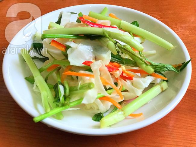Đây là bí quyết làm dưa bắp cải muối chua giòn ăn với gì cũng ngon - Ảnh 5.