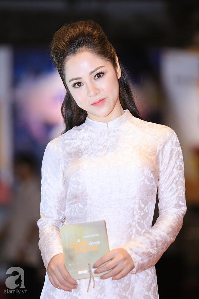 Mẹ hiền Kim Xuân và Kiều Trinh hẹn nhau cùng mặc áo dài tím duyên dáng - Ảnh 9.