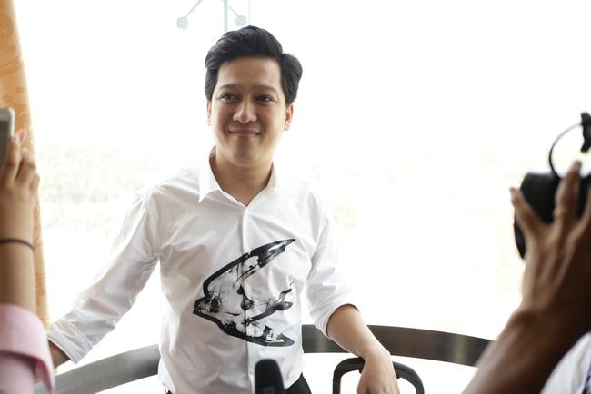 Trường Giang phấn khích trước hàng chục bản sao của Đàm Vĩnh Hưng - Ảnh 2.
