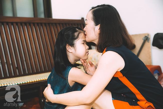 Mẹ bé khiếm thị gây sốt Vietnam Idol Kids: Tôi đã khóc rất nhiều khi con mình chẳng nhìn thấy gì cả! - Ảnh 3.