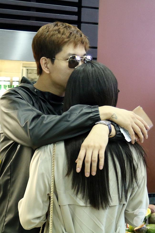 Trương Quỳnh Anh quậy tưng bừng khi cõng Tim giữa sân bay - Ảnh 5.