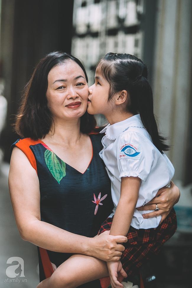 Mẹ bé khiếm thị gây sốt Vietnam Idol Kids: Tôi đã khóc rất nhiều khi con mình chẳng nhìn thấy gì cả! - Ảnh 10.
