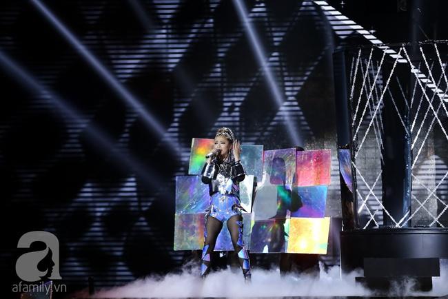 Hôn nhau trên sân khấu, Tronie - MiA loại bạn thân Tóc Tiên khỏi The Remix - Ảnh 13.