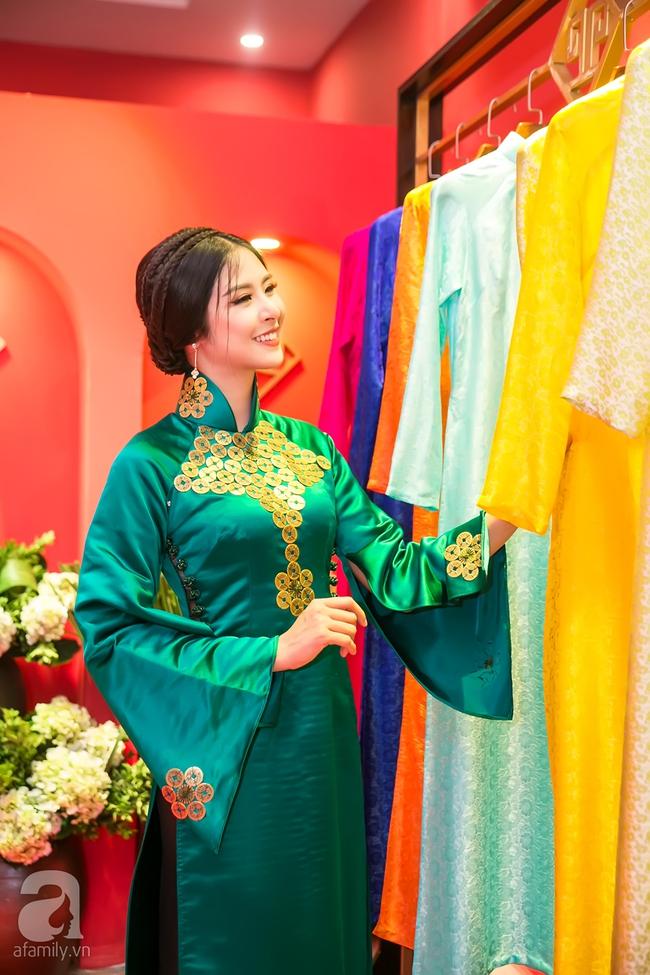 Ngọc nữ màn ảnh một thời - Thu Hà đẹp thanh lịch bên Hoa hậu Ngọc Hân - Ảnh 2.