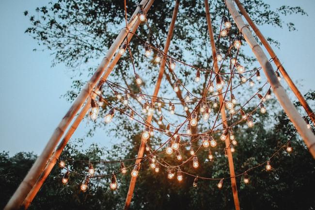 Yêu chết đi được với đám cưới siêu xinh tại khu vườn màu xanh của cặp đôi từng hẹn ước dưới mưa sao băng - Ảnh 12.