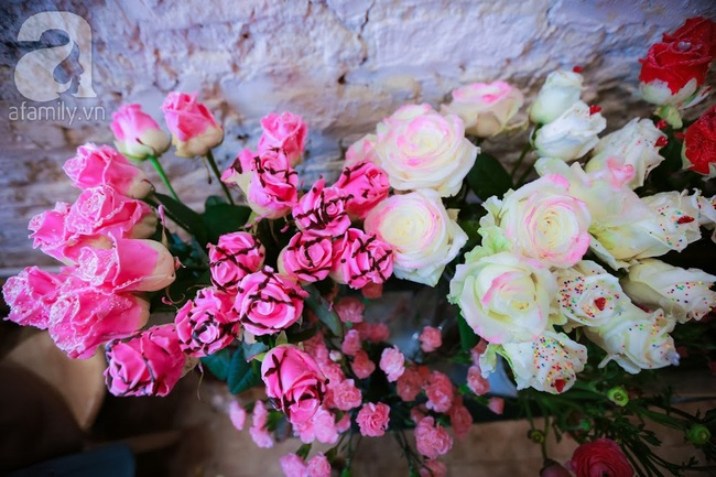 Doanh nhân chi 30 triệu đồng mua 99 bông hoa hồng phủ socola nhập khẩu tặng bạn gái dịp Valentine - Ảnh 8.