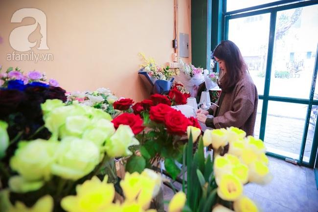 Doanh nhân chi 30 triệu đồng mua 99 bông hoa hồng phủ socola nhập khẩu tặng bạn gái dịp Valentine - Ảnh 20.