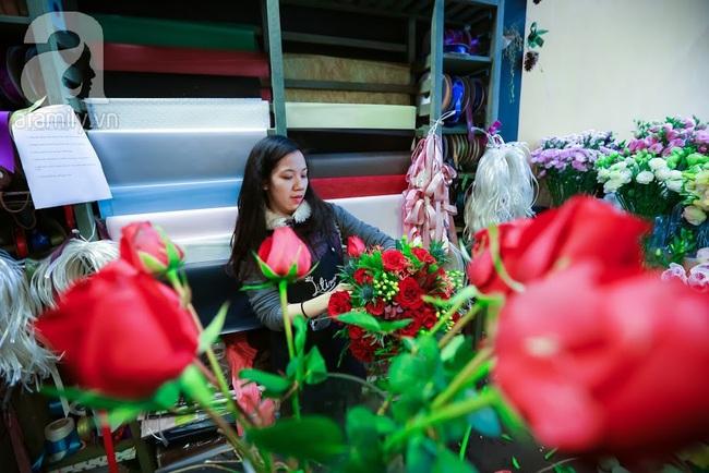 Doanh nhân chi 30 triệu đồng mua 99 bông hoa hồng phủ socola nhập khẩu tặng bạn gái dịp Valentine - Ảnh 18.