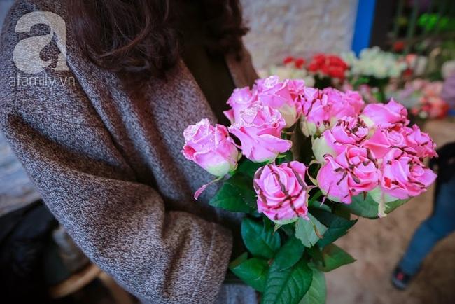 Doanh nhân chi 30 triệu đồng mua 99 bông hoa hồng phủ socola nhập khẩu tặng bạn gái dịp Valentine - Ảnh 7.
