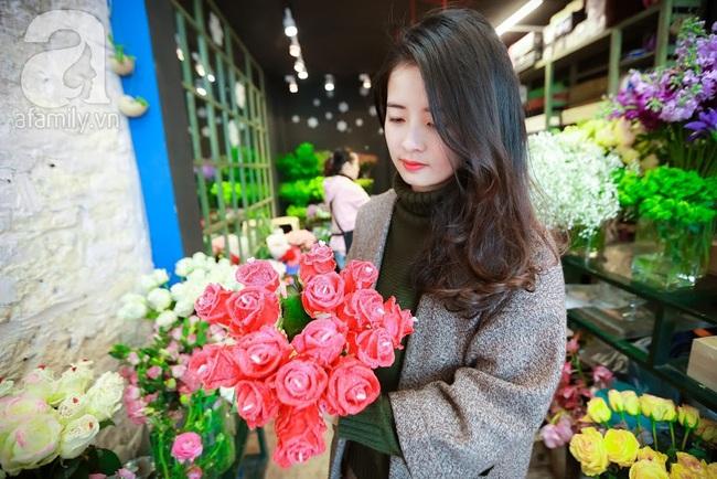 Doanh nhân chi 30 triệu đồng mua 99 bông hoa hồng phủ socola nhập khẩu tặng bạn gái dịp Valentine - Ảnh 10.