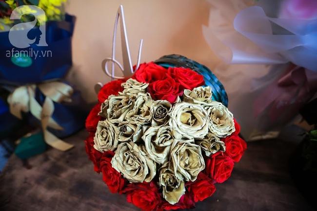 Doanh nhân chi 30 triệu đồng mua 99 bông hoa hồng phủ socola nhập khẩu tặng bạn gái dịp Valentine - Ảnh 15.