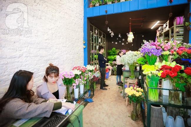 Doanh nhân chi 30 triệu đồng mua 99 bông hoa hồng phủ socola nhập khẩu tặng bạn gái dịp Valentine - Ảnh 3.