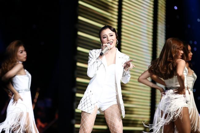 Đông Nhi một lần nữa cứu thiên thần Hàn Quốc Han Sara khiến khán giả khó chịu - Ảnh 5.