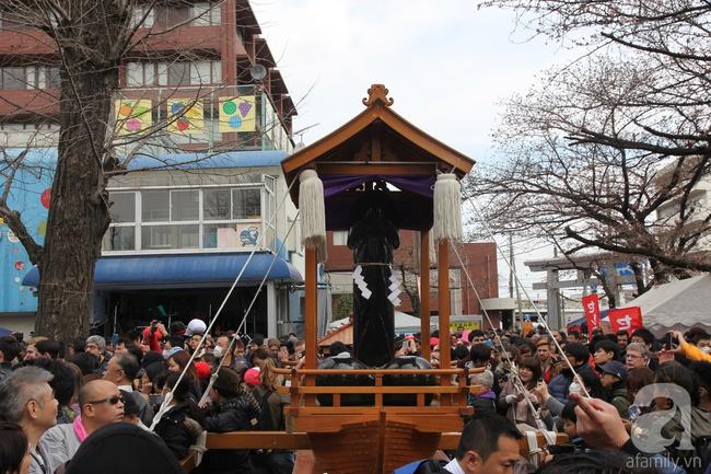Lạ lẫm với lễ hội độc nhất vô nhị ở đất nước mặt trời mọc - Ảnh 6.