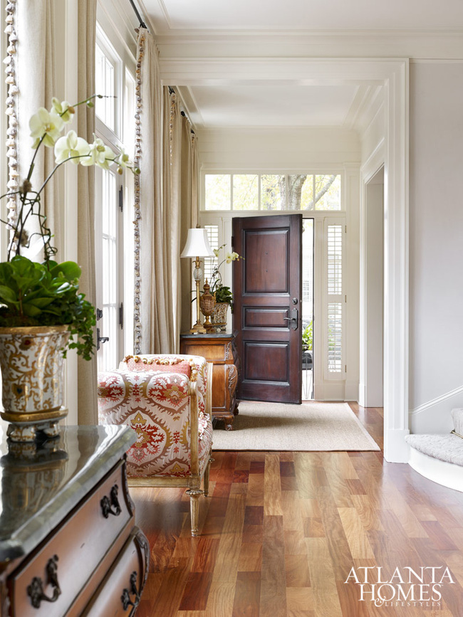 Ngôi nhà với phong cách cổ điển nhưng đầy sức quyến rũ ở mọi chi tiết dù là nhỏ nhất - Ảnh 4.