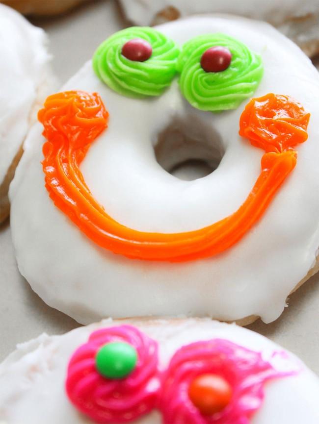 Vừa đa dạng, vừa màu sắc, những chiếc bánh donut siêu hấp dẫn này sẽ khiến bạn đứng ngồi không yên - Ảnh 1.