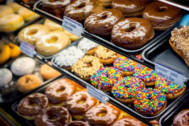 Vừa đa dạng, vừa màu sắc, những chiếc bánh donut siêu hấp dẫn này sẽ khiến bạn đứng ngồi không yên - Ảnh 11.