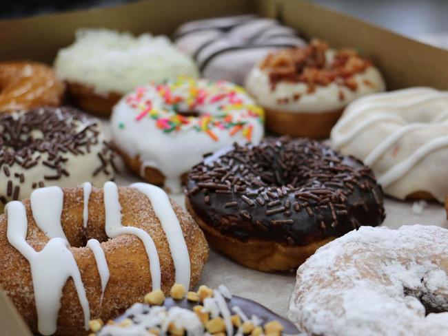 Vừa đa dạng, vừa màu sắc, những chiếc bánh donut siêu hấp dẫn này sẽ khiến bạn đứng ngồi không yên - Ảnh 15.