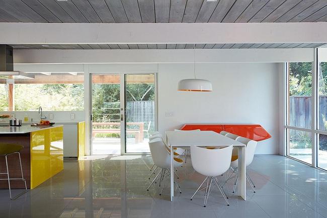 Ngôi nhà sử dụng tới 70% chất liệu gỗ đẹp đến không thể rời mắt - Ảnh 7.