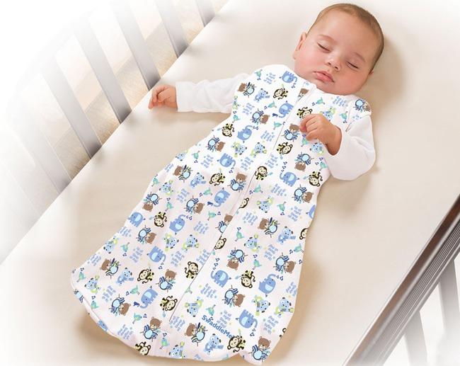 Công thức mặc quần áo cho bé đi ngủ để con không bao giờ bị nóng hay lạnh vào ban đêm - Ảnh 2.