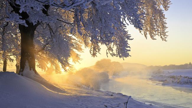 Những khung cảnh đẹp như cổ tích khi tuyết trắng bao phủ trên thế giới - ảnh 4