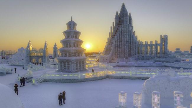Những khung cảnh đẹp như cổ tích khi tuyết trắng bao phủ trên thế giới - ảnh 17
