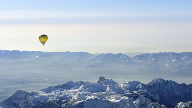 Những khung cảnh đẹp như cổ tích khi tuyết trắng bao phủ trên thế giới - ảnh 23