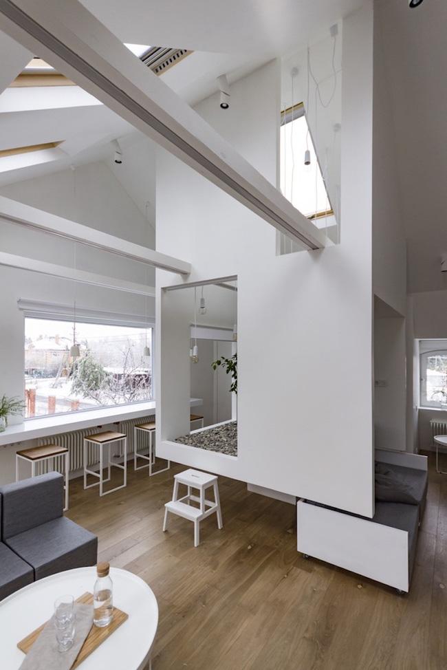 Ấn tượng với ngôi nhà chỉ 48m² nhưng có khoảng xanh cực bắt mắt với phòng khách treo lơ lửng - Ảnh 4.