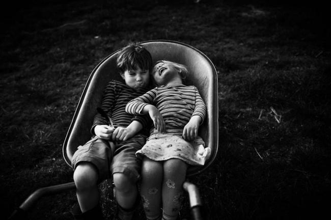 Tuổi thơ không tivi, không thiết bị điện tử dưới góc nhìn của bà mẹ 4 con - Ảnh 2.