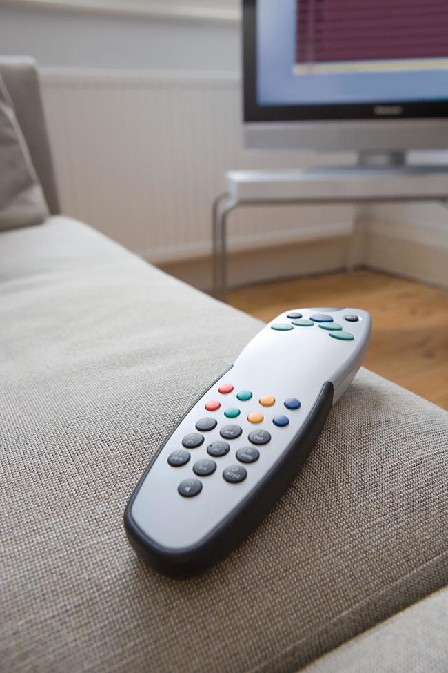 8 thói quen lau dọn nhà ai cũng nên biết nếu không muốn mệt bở hơi tai - Ảnh 7.