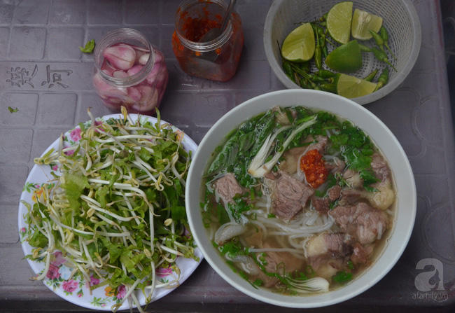 Cẩm nang ăn trọn món ngon, của lạ ở Tuy Hòa chỉ với 300 nghìn - Ảnh 2.