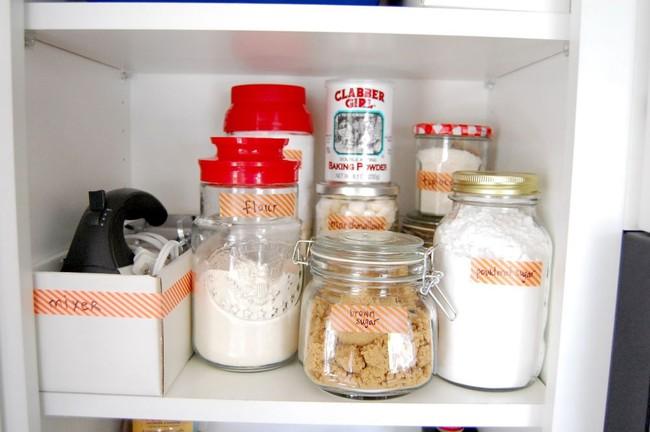 8 mẹo vặt giúp đồ dùng nhà bếp luôn gọn gàng và ngăn nắp - Ảnh 2.