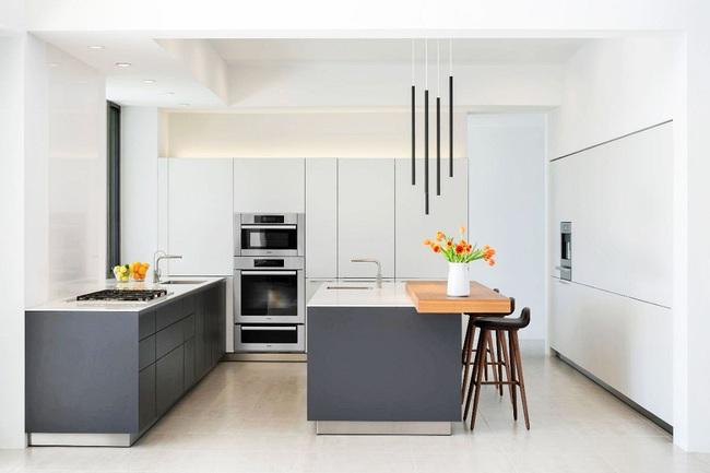 22 mẫu thiết kế phòng bếp màu xám ngỡ nhàm chán mà lại đẹp không tưởng - Ảnh 3.