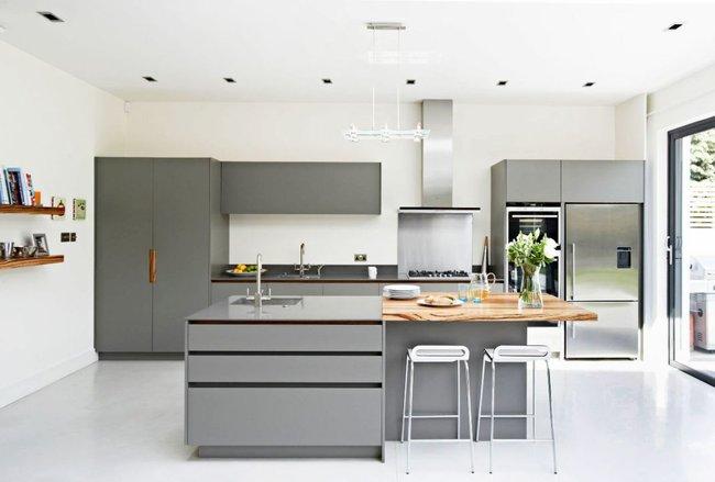 22 mẫu thiết kế phòng bếp màu xám ngỡ nhàm chán mà lại đẹp không tưởng - Ảnh 16.
