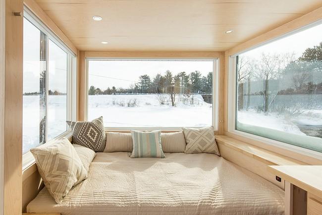Ngôi nhà gỗ bên ngoài thì giản dị, bên trong lại lãng mạn đến bất ngờ - Ảnh 4.