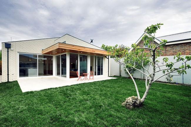 Về quê ở thôi là chưa đủ, phải mang cả cỏ đồng cỏ xanh mướt vào ngôi nhà như thế này mới chịu - Ảnh 10.